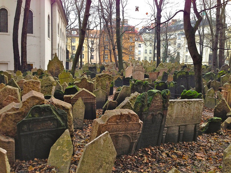 old-jewish-cemetery-6