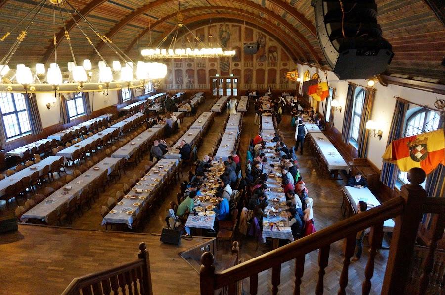 Парадный зал в Хофбройхаусе