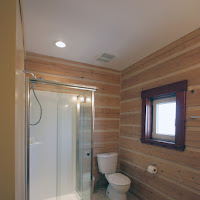 Bathroom on main floor (Foto by Ted Grant)