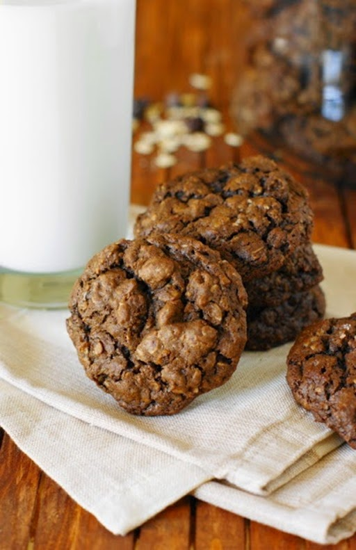 Triple-Chocolate-Oatmeal-Cookies 1