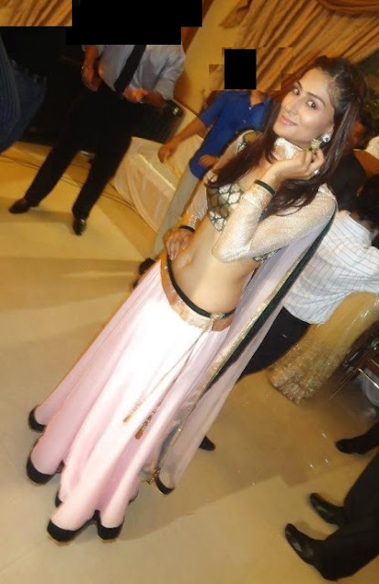desi college girl navel
