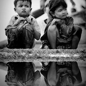 sedih... by Muhammad  Firdaus - Babies & Children Children Candids