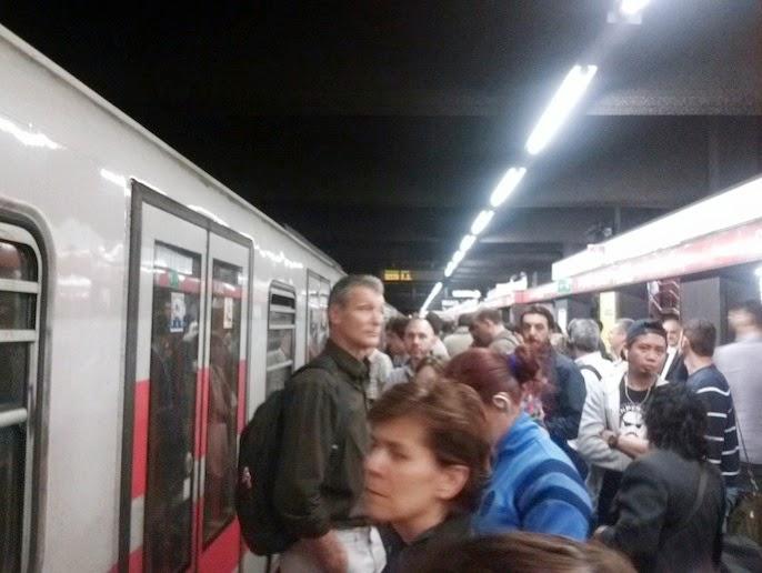 Metro rossa