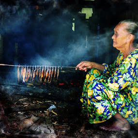 fish barbeque by Assoka Andrya - People Street & Candids