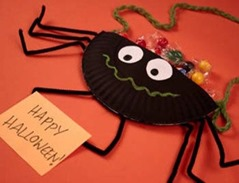 spider candy bag start by cutting 4 chenille stems and your paper plate in half next paint or color your plate black with a marker - Halloween Spider Craft Ideas
