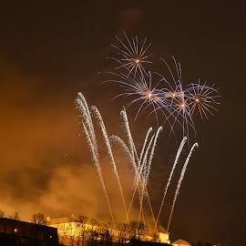 Špilberk ohňostroj by Petr Olša - Abstract Fire & Fireworks