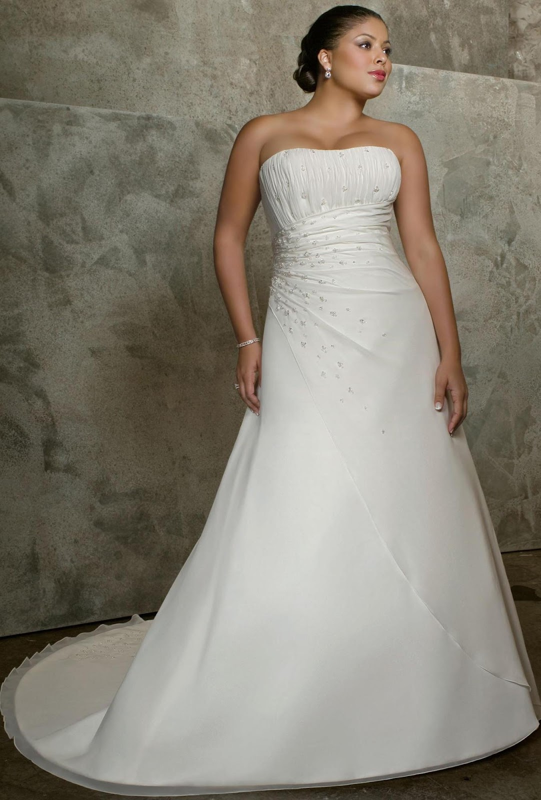 Discount White Strapless Natural Waist Plus Size Wedding Dress kw010