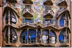 antoni-gaudi-casa-batllo-facade-george-oze