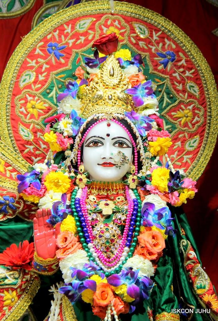 ISKCON Juhu Sringar Deity Darshan 09 Feb 16 (32)