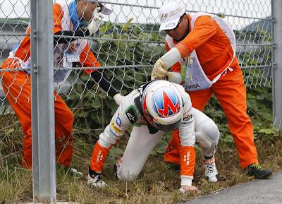 Пол ди Реста застрял в заборе на Гран-при Кореи 2013