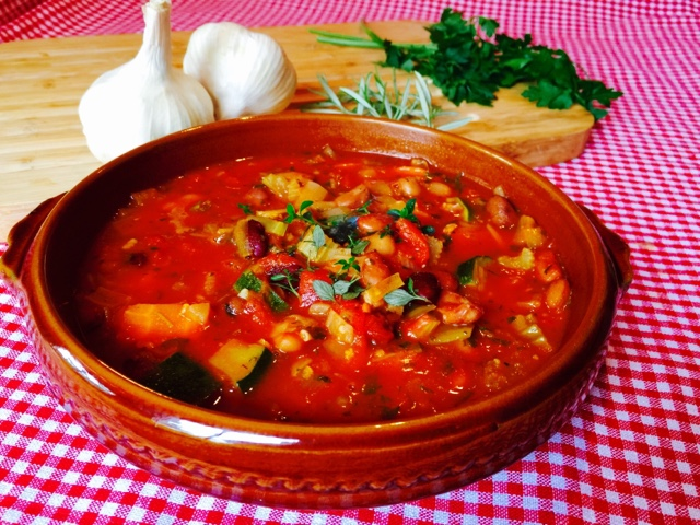 Tuscan bean soup with garlic, thyme and rosemary
