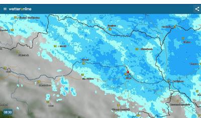 Wien liegt am südlichen Rand der Luftmassengrenze und bekommt daher noch Regen ab. Mehr Regen gibt es im gesamten Wein- und Waldviertel