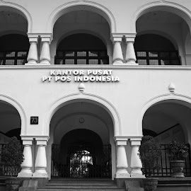 Bandung Post Office by Mulawardi Sutanto - Black & White Buildings & Architecture ( post office, old, building, indonesia, travel, bandung )