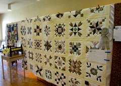 1509036 Sep 16 A Yellow Ribbon Winning Quilt