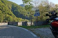 Zum Forcella di Monte Rest (1076m).
