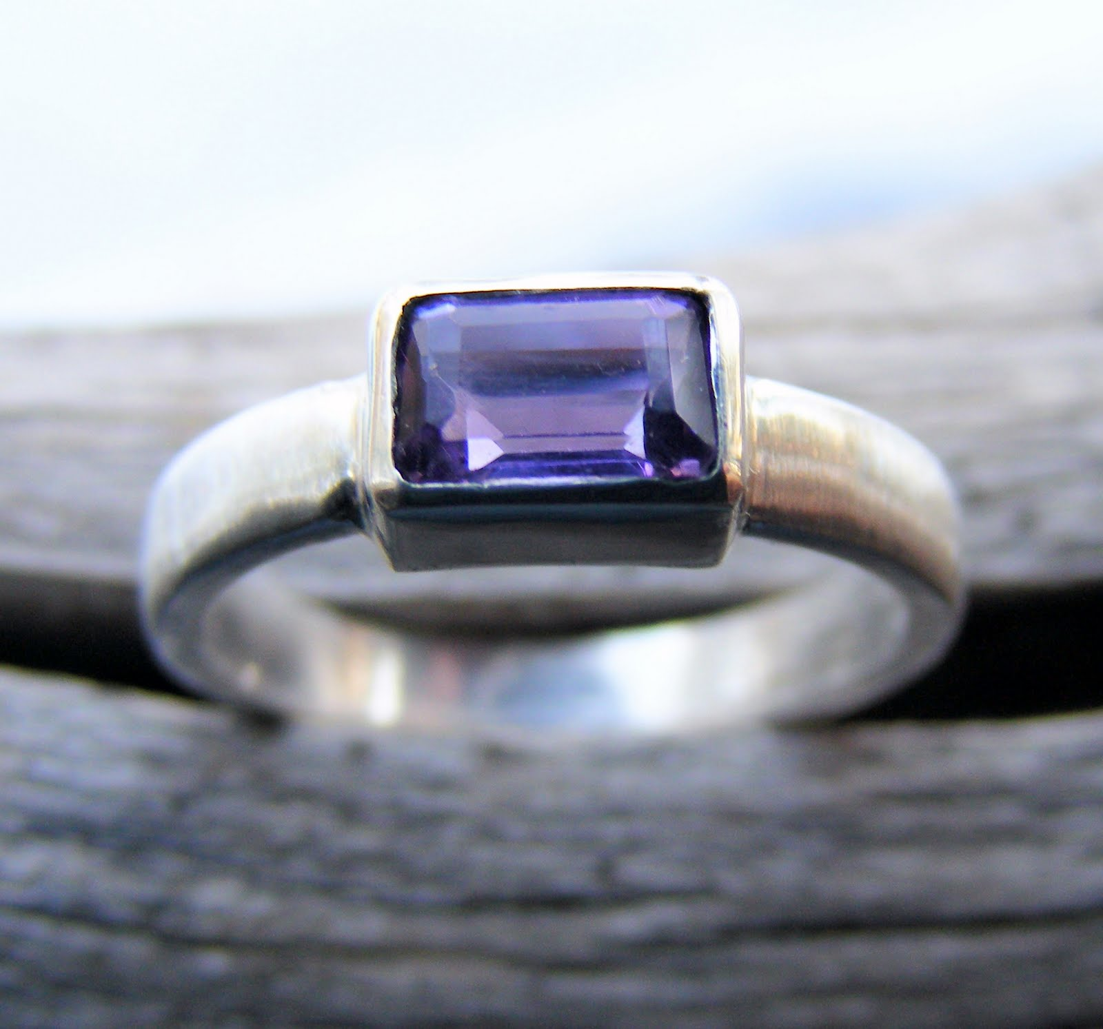 wedding rings bezel settings