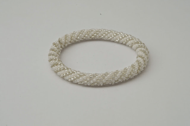 solid white with siliver line