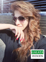 Raai Laxmi Selfie At Airport | Images Pics Photos Pics Stills Wallpapers