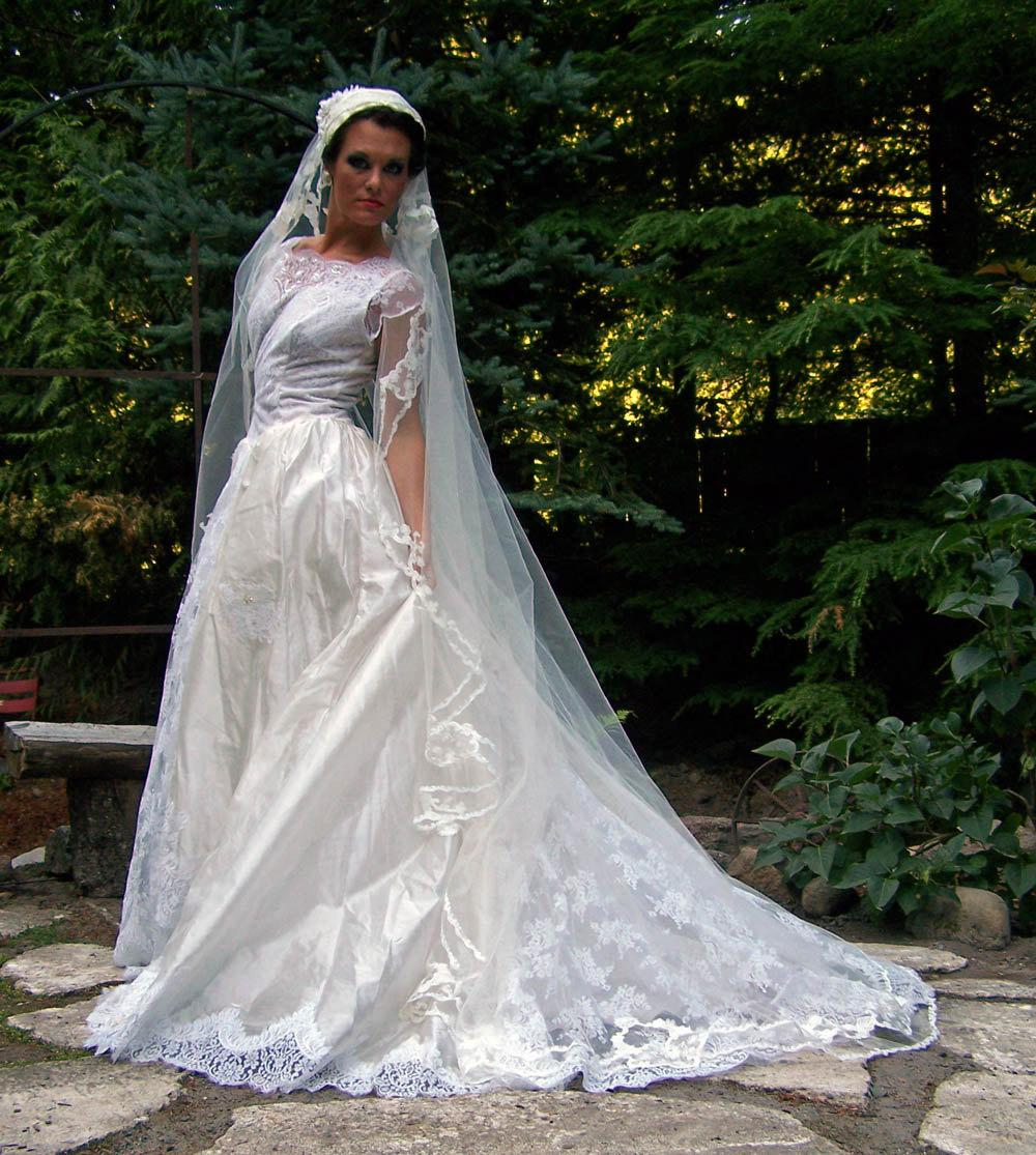 Promises-Vintage 1950s Diamond White Silk Voile Layered Wedding Dress