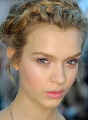 End of Year Party Makeup Hair and Nail Ideas