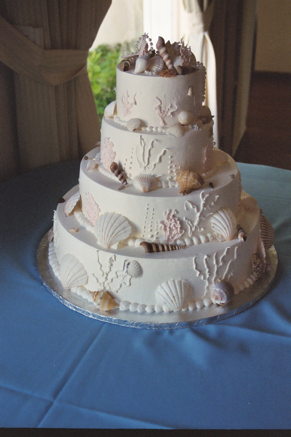 these wedding cakes are