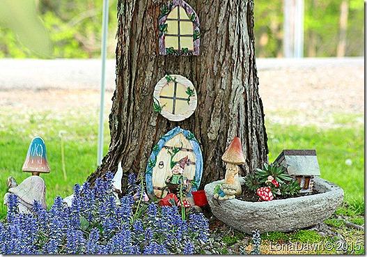 Gnome Garden2 Ajuga Burgandy Glow