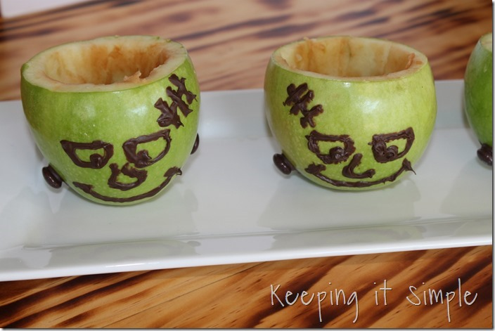 #ad SNICKERS®-Apple-Salad-Served-in-a-Frankenstein-apple #BooItForward (10)