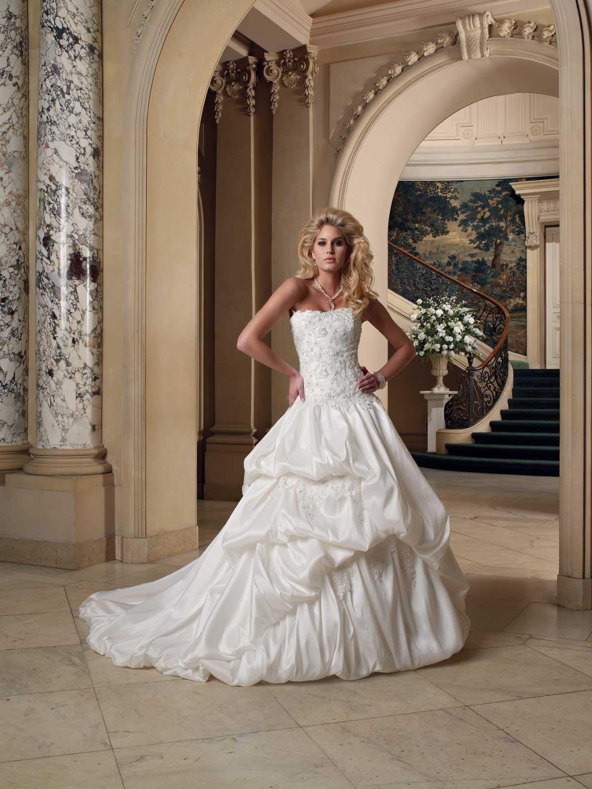 wedding dress,bridal gowns