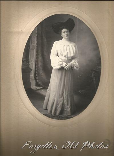 Johanna Halverson Laporte ant