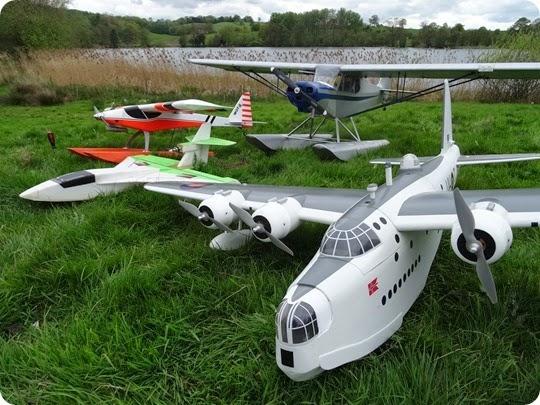 model aircraft flying display