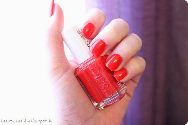 essie Nagellack Nailpolish Review Swatch LE Limited Edition Bridal Collection Wedding Hochzeit 2015 Happy Wife Happy Life Hubby for Dessert Nail of the Day Naildesign Lackiert NotD Tragebild 3
