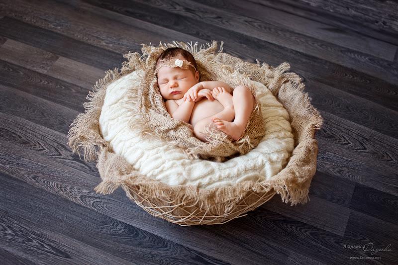 Юля, 8 дней. Фотосессия новорожденной в Гродно. Детский и семейный фотограф Людмила Фадеева