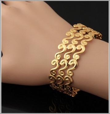 brazalete-estilo-griego-con-oro-18-k
