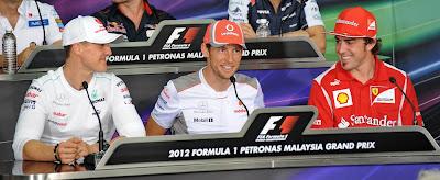 Михаэль Шумахер Дженсон Баттон Фернандо Алонсо на пресс-конференции в четверг на Гран-при Малайзии 2012