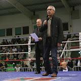 A l'aise en meeting, Claude Olive maire d'Anglet l'est aussi sur le ring...