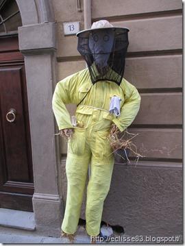 spaventapoasseri apicoltore