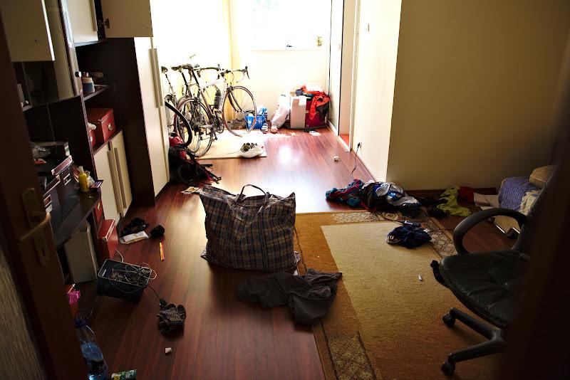 Haosul lasat in camera la plecare.
