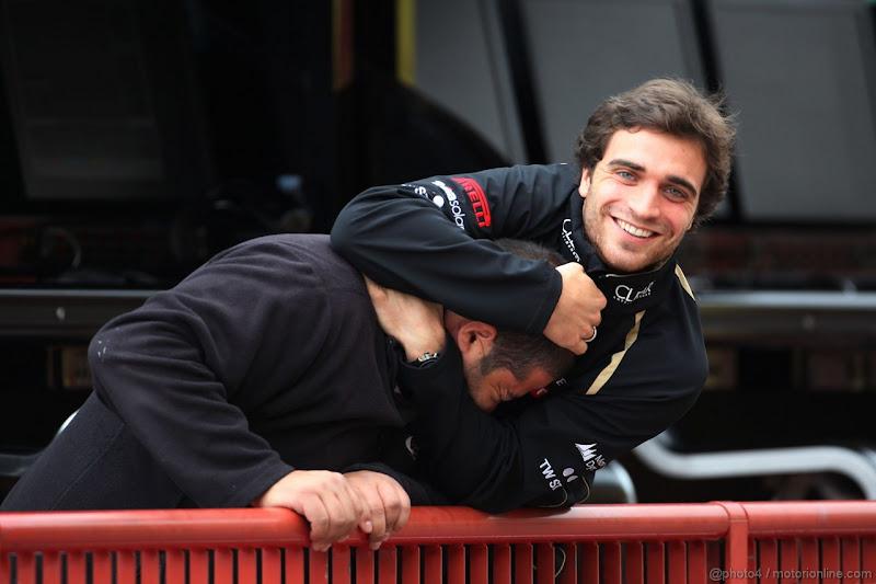 Жером Д'Амброзио и чья-то голова на тестах в Муджелло 2012