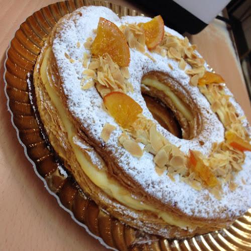 Rosco de Reyes de hojaldre y crema
