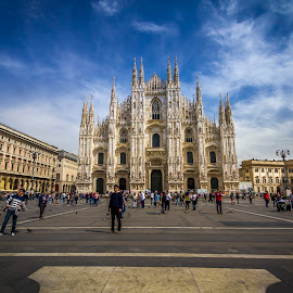 Dumo, Milan by Charles Ong - City,  Street & Park  Street Scenes