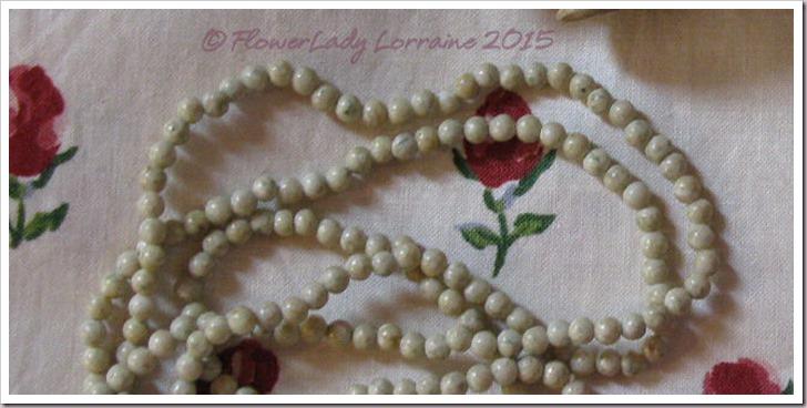 11-07-pale-grn-beads