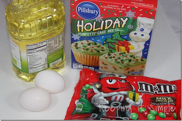 #ad Santa-Cookies-Cake-Cookies-With-DIY-Santa-Plate #BakeintheFun (4)