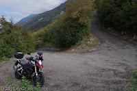 Von Assenza aus hoch zum Punta Veleno/Passo Telégrafo (1248m). 20 Kehren auf ca. 8 Kilometer und oft 20% Steigung überwinden etwa 1000 Höhenmeter bis zur Passhöhe.