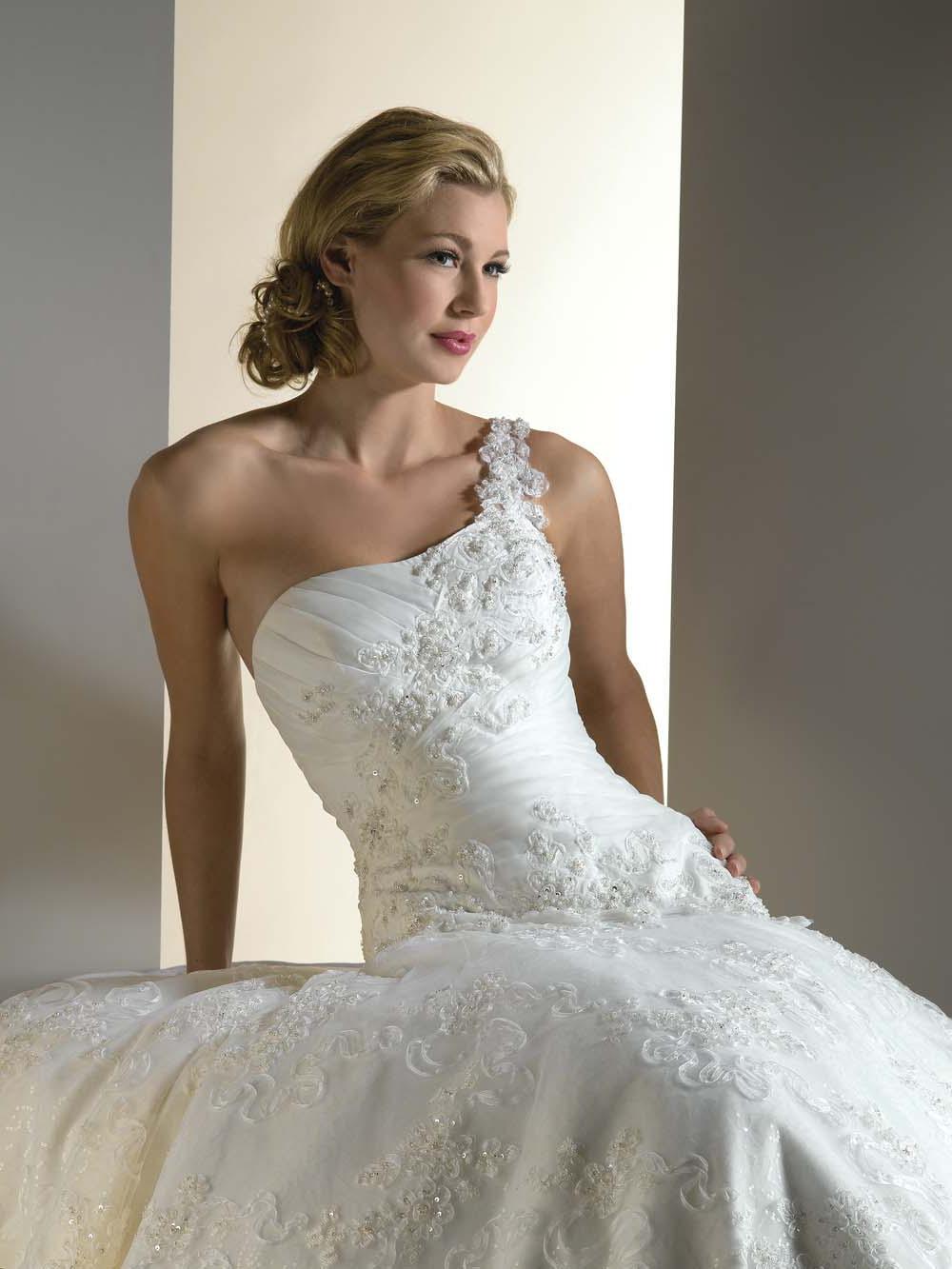 one shoulder wedding dress,