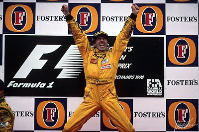 победный прыжок Деймона Хилла на подиуме Гран-при Бельгии 1998