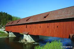 Původní most byl dlouhý 66 m, široký 10 m a byl postaven na třech mohutných pilířích, které se dochovaly dodnes. V roce 2001 Obec Kyselka zahájila obnovu mostu a v roce 2003 byla rekonstrukce dřevěného krytého mostu přes řeku Ohři zcela dokončena.