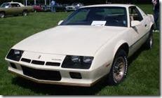 %2784_Chevrolet_Camaro_(Auto_classique_VAQ_Baie-D%27Urf%25C3%25A9_%2713)