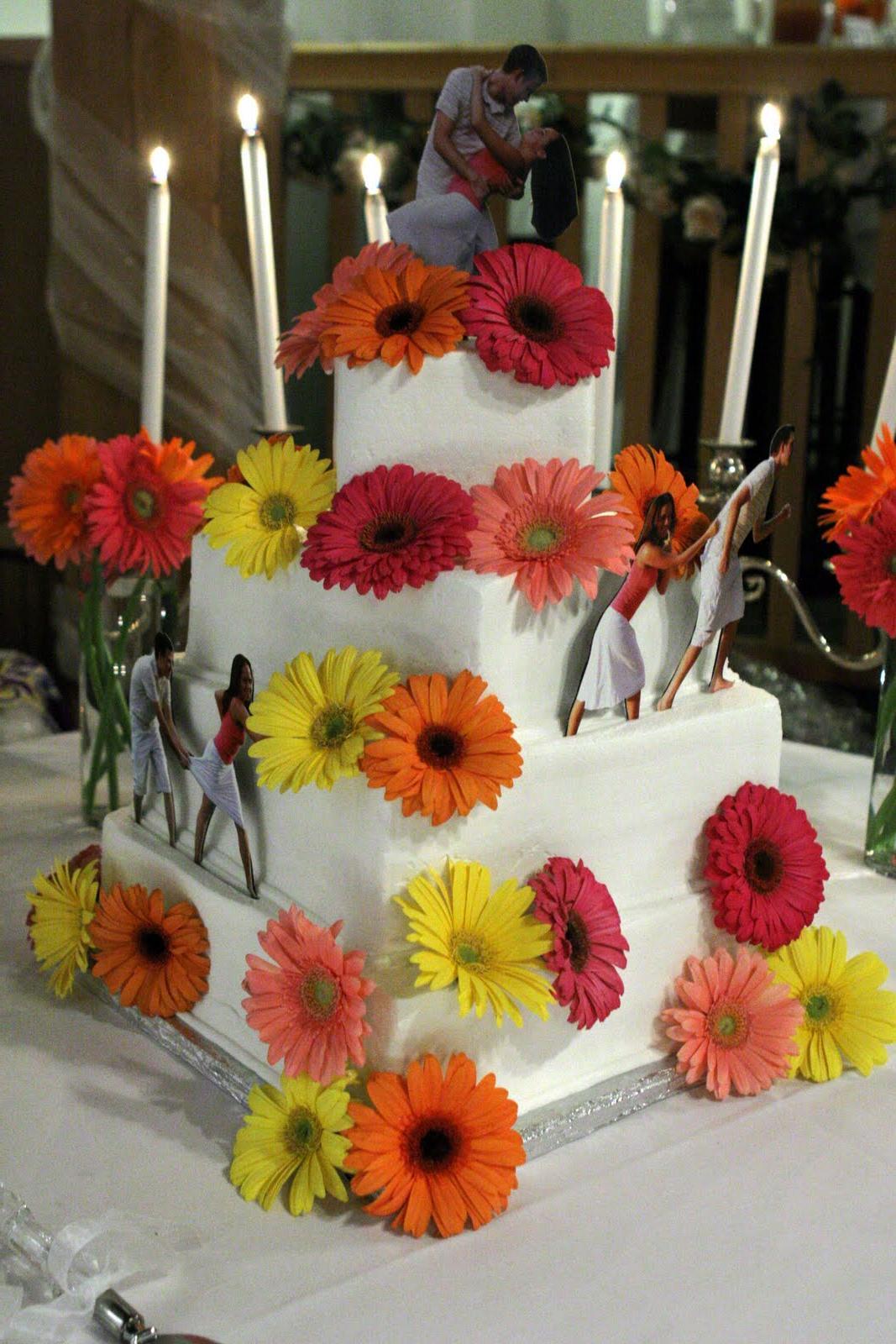 cake topper poses.