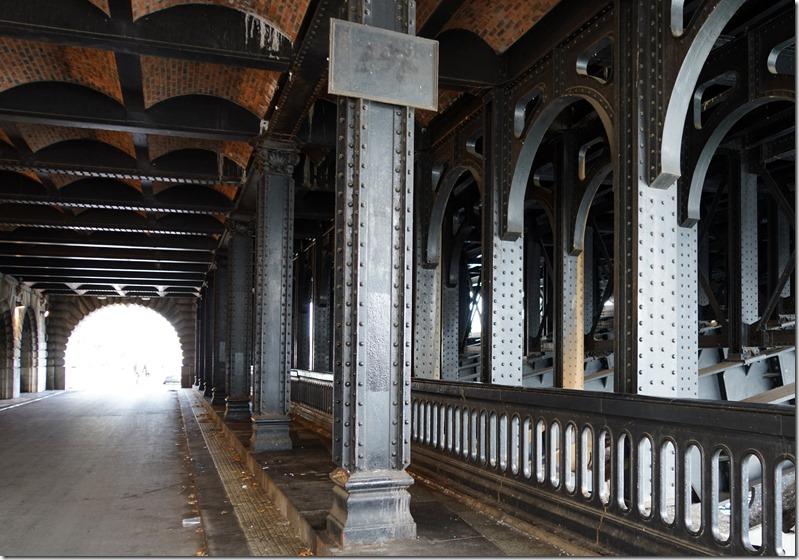 paris under pont alexandre III 110715 00002
