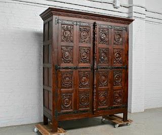 Испанский шкаф с складными дверками. 19-й век. 180/65/215 см.